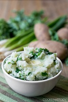 Colcannon (Irish Mashed Potatoes with Kale and Butter)