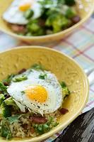 bacon-broccoli-and-egg-rice-bowl