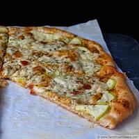 zucchini-bacon-pizza