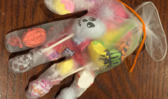 Halloween Candy Hands – A Fun, Spooky Party Favor